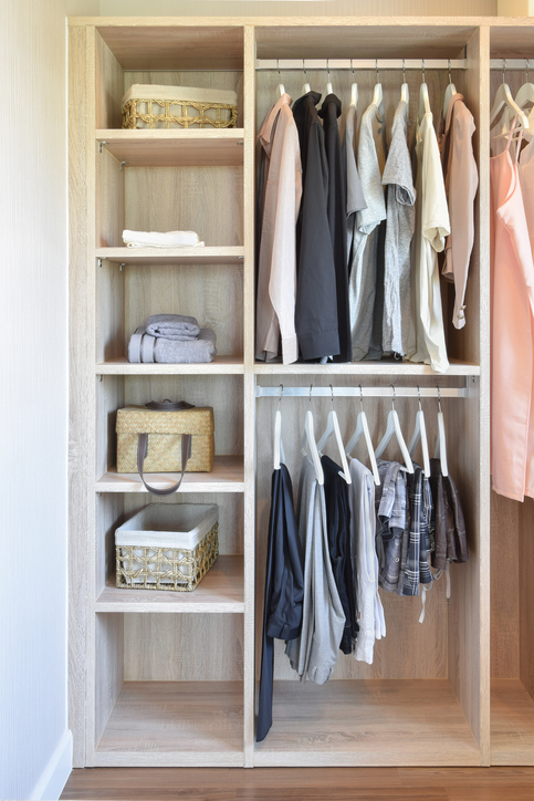 4 Tips To Maximize E In Small Closets